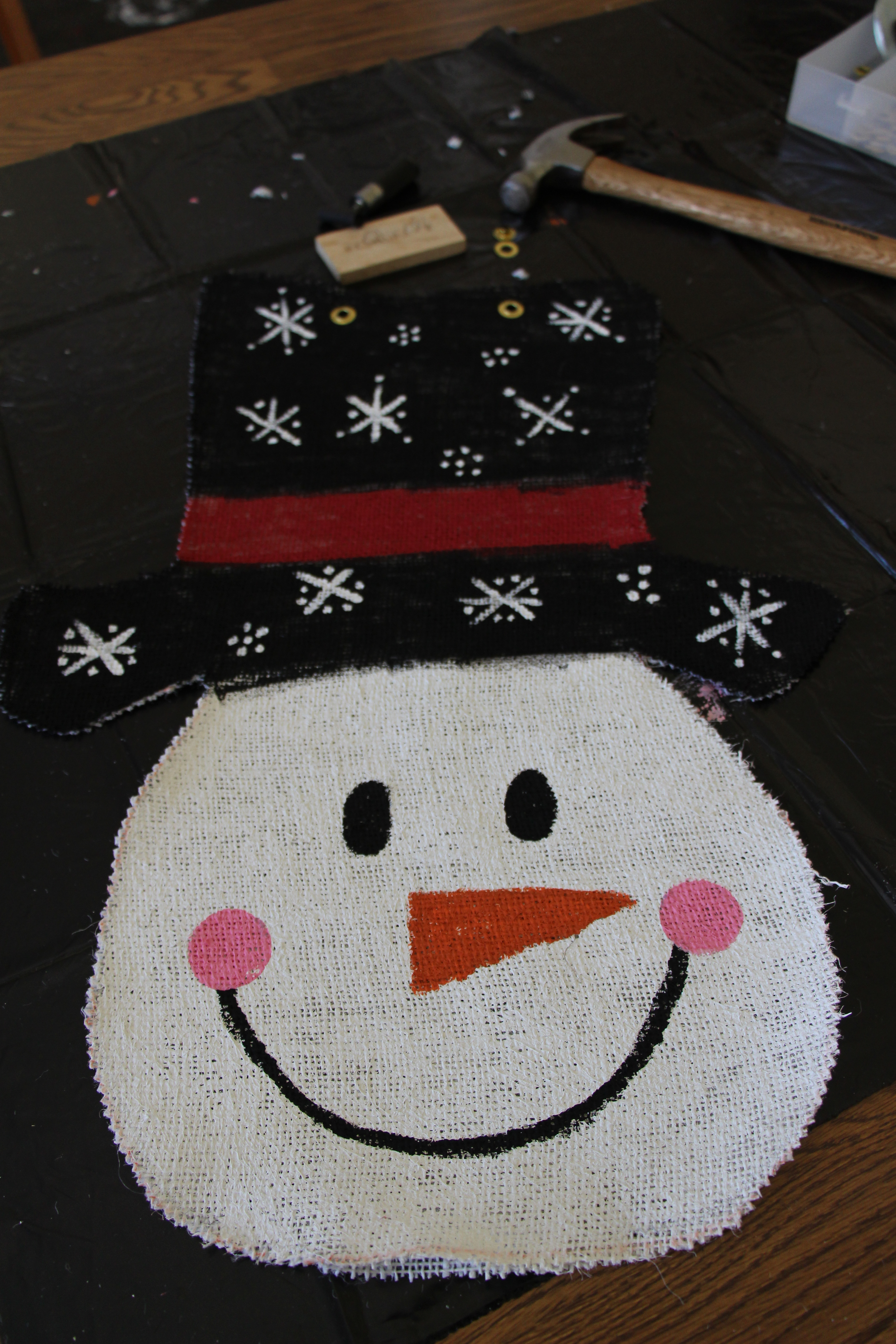 Snowman door hanger sew you think you can cook for Snowman made out of burlap