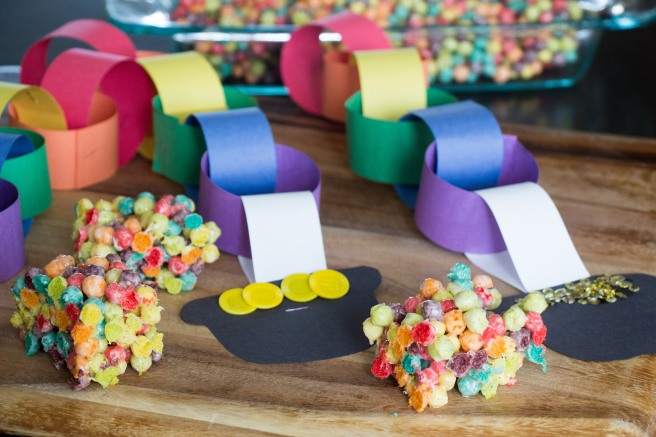 Rainbow Marshmallow Treats #StPatricksDay | Sew You Think You Can Cook